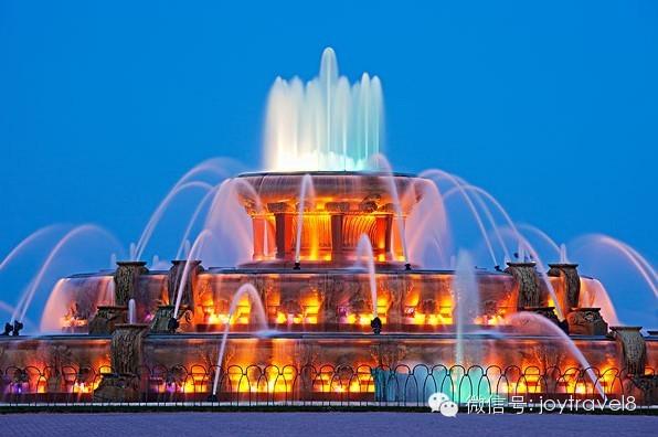 芝加哥的夜晚魅力~壮观的喷泉美景~造型奇异的不锈钢